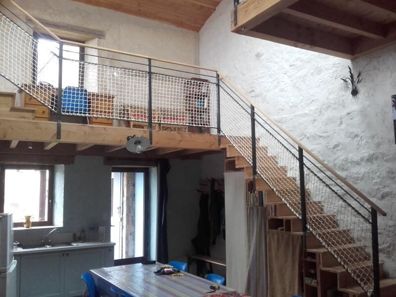 Filet garde-corps blanc ignifugé pour escalier