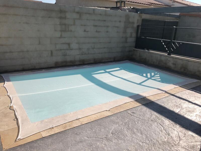 Filet pare-poussière pour piscine enterrée