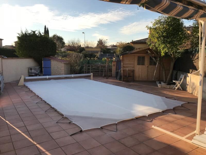 Filet anti feuilles et poussière pour piscine