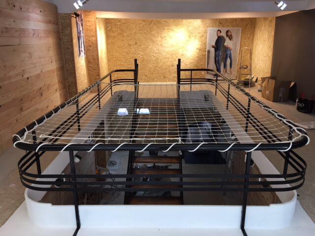 Filet anti-chute pour cage d'escalier