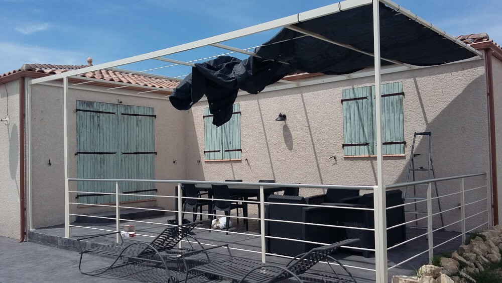Toile d'ombrage pour pergola terrasse