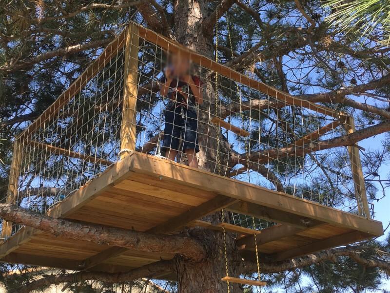 Filet périphérique pour plateforme dans les arbres