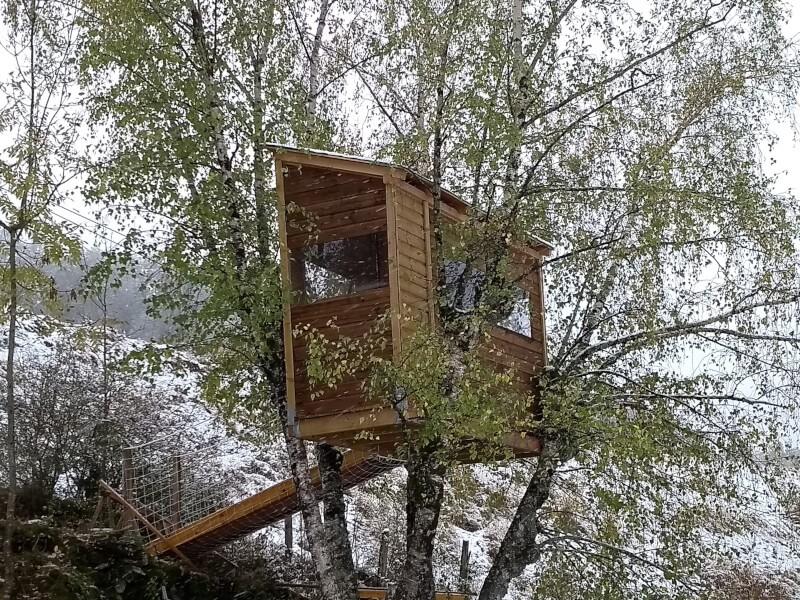 Sécurisation d'une passerelle d'accès à une cabane dans les arbres