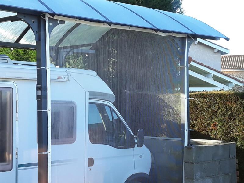 Filet contre la grêle pour un abri à camping-car ouvert