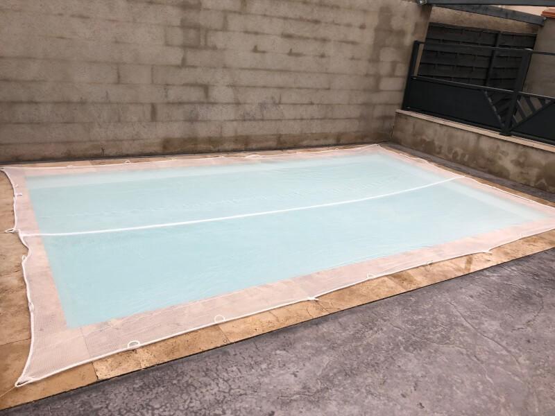 Filet anti poussière pour piscine