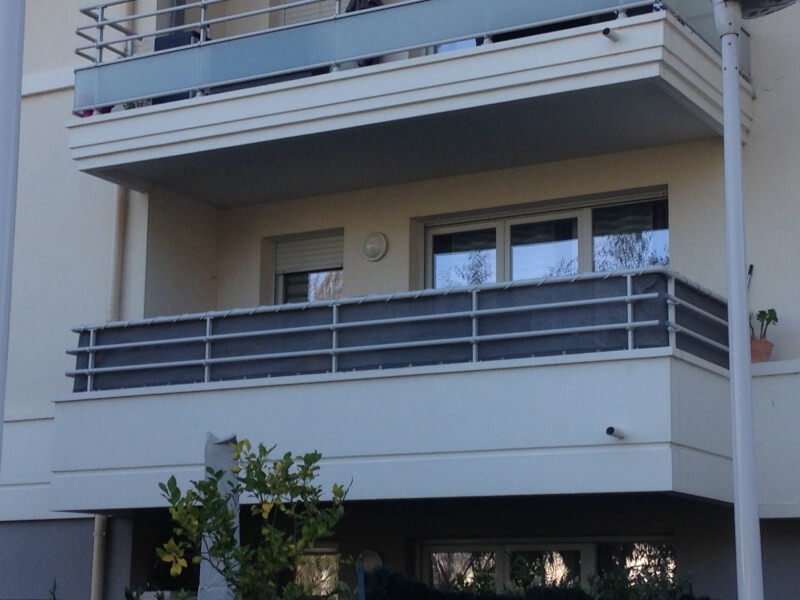 Filet brise-vue forte opacité pour balcon