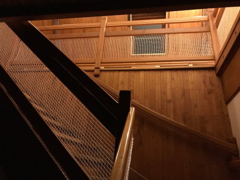 Filet protection escalier en bois