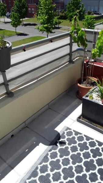 Brise-vue blanc pour balcon appartemment