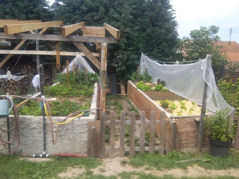 Filet anti-grêle de protection de jardin en parmaculture