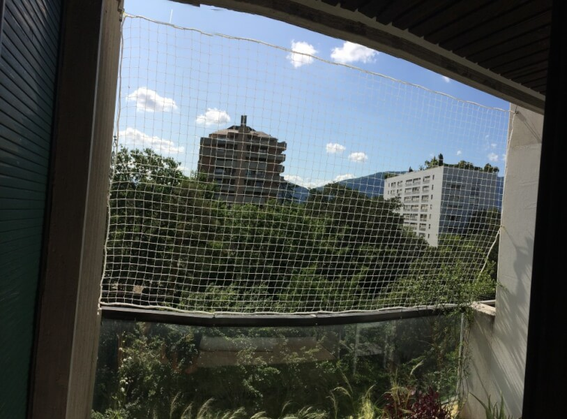 Filet de protection polyamide pour balcon immeuble
