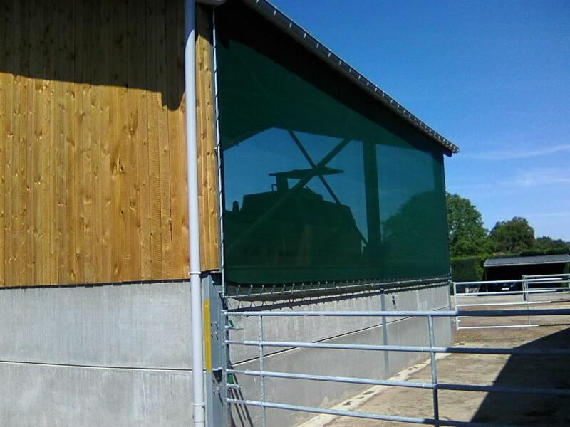 Filet brise-vent pour bâtiment agricole