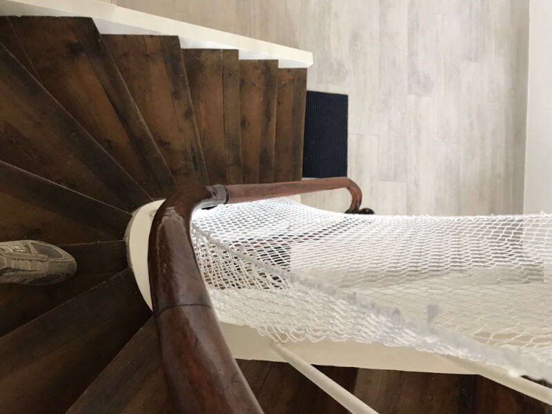 Filet de protection enfants pour escalier colimaçon