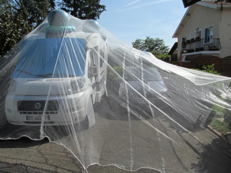 Filet contre la grêle pour protéger voiture et caravane