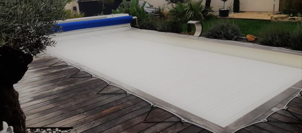 Filet anti-feuilles et salissures pour piscine enterrée