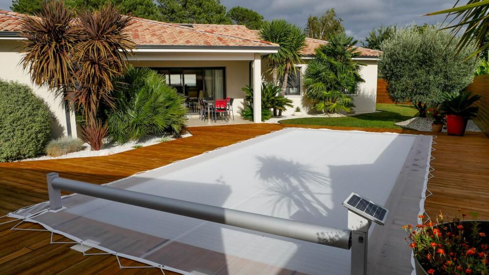Filet anti-feuilles pour piscine avec découpe sur-mesure