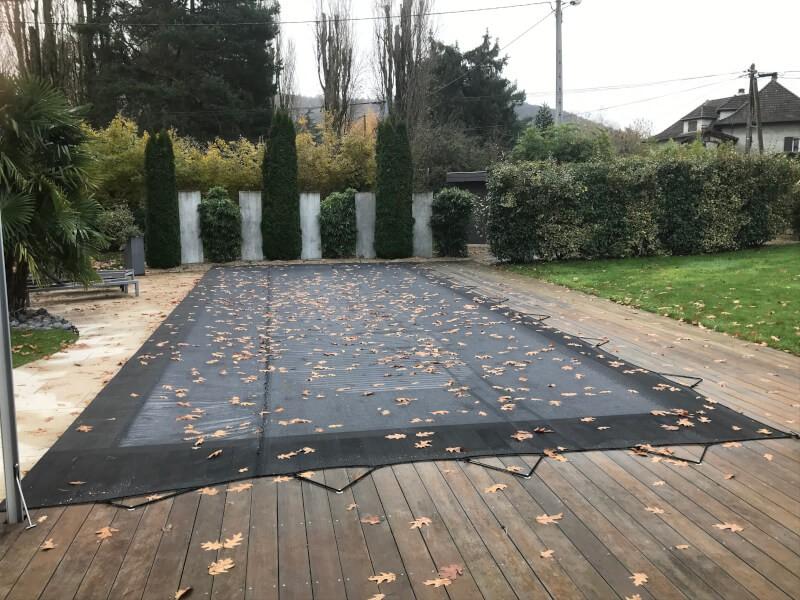 Filet anti-feuilles et salissures gris pour piscine