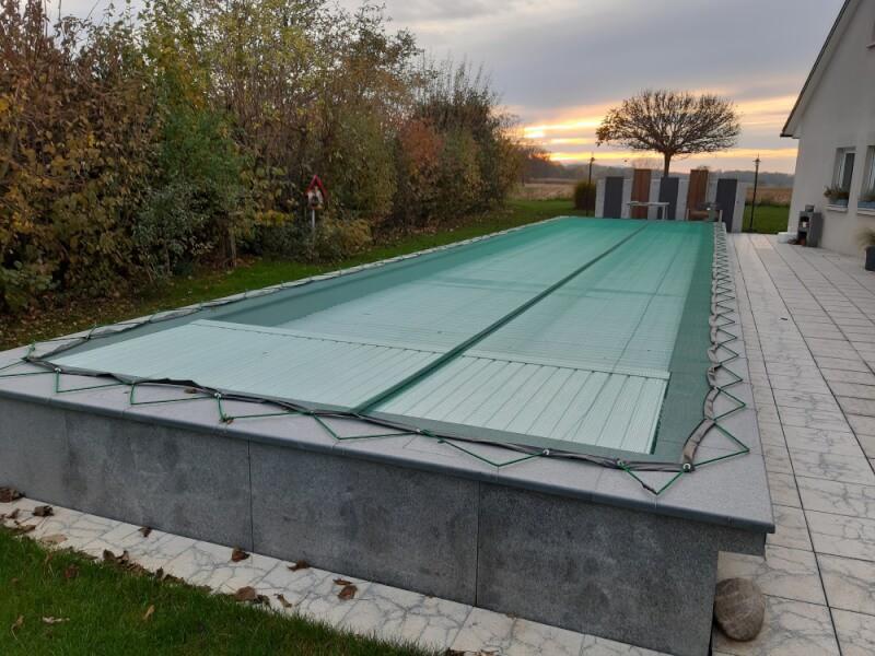 Filet anti-feuilles pour bassin et piscine très léger