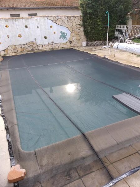 Filet anti-feuilles pour bassin et piscine
