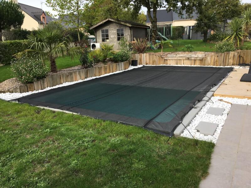 Filet anti-feuilles pour piscine enterrée