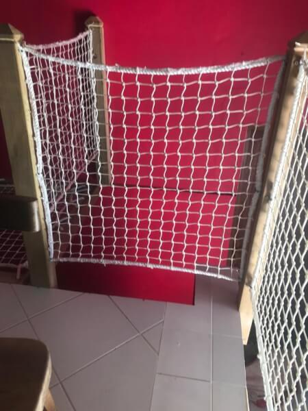 Filet garde-corps blanc pour escalier
