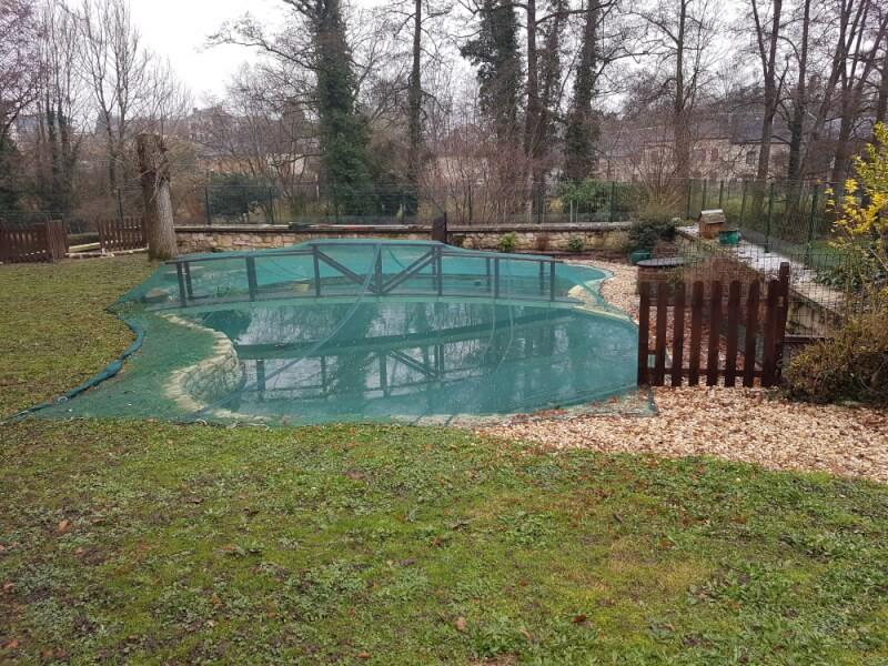 Filet anti-feuilles très léger pour recouvrir un bassin