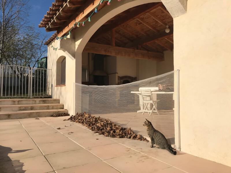 Filet anti-feuilles pour terrasse couverte