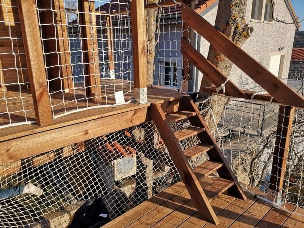 Filet anti-chute pour cabane en bois suspendue