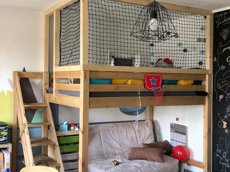 Cabane intérieure pour enfant avec filet de protection