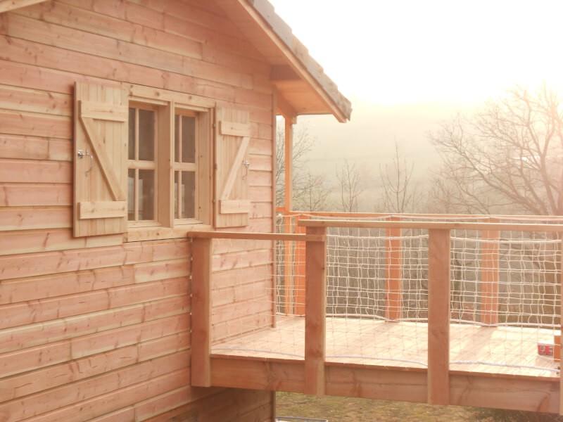 Filet de protection garde-corps pour balcon chalet bois
