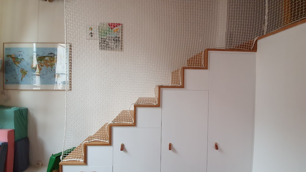Filet garde-corps protection enfants pour escalier sans rambarde