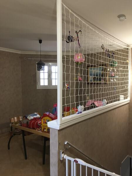 Filet de protection garde-corps pour salle de jeux enfants