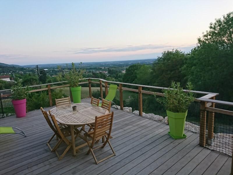 Sécuriser une terrasse avec un filet garde-corps design