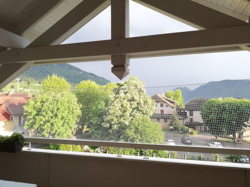 Sécuriser un balcon avec un filet de protection enfants polyamide