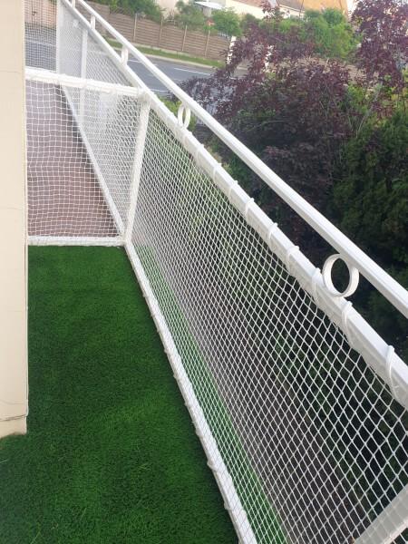 Filet de protection enfants pour sécuriser un garde corps balcon