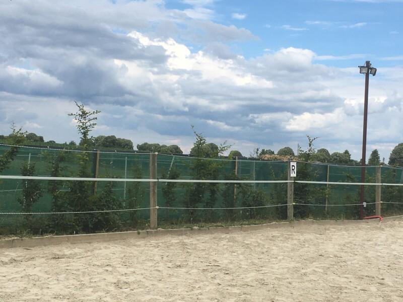 Filet brise-vent pour enclos chevaux