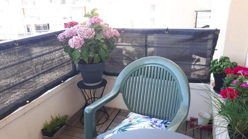 Brise-vue occultant coloré pour balcon
