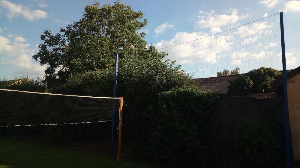 Filet pare-ballons pour protéger les voisins des ballons perdus