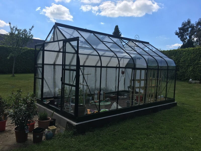 Toile d'ombrage pour serre en verre protection des plantes