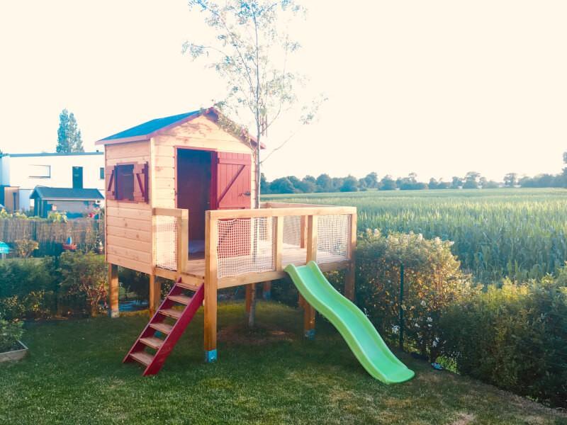 Sécuriser une cabane pour enfants avec un filet de protection efficace