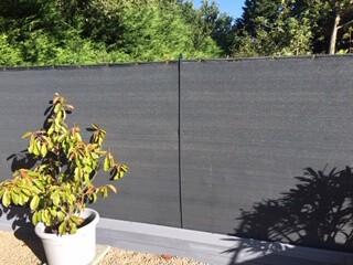 Filet brise vue couleur anthracite de forte occultation sur clôture