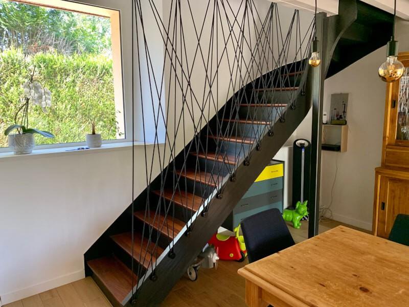 Garde corps d'escalier artistique en sandow noir