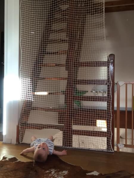Filet de protection enfant pour empêcher l'accès à un escalier