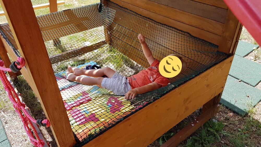 Filet de repos sur trémie adapté aux enfants