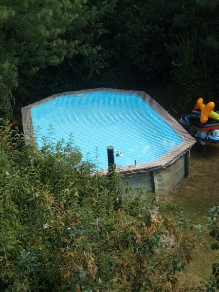 Filet de sécurité anti-chute sur piscine autoportante