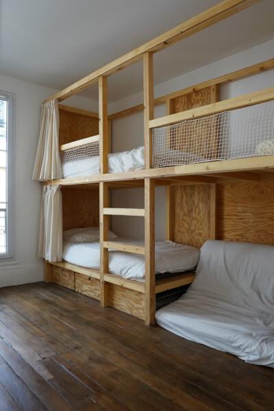 Filet de protection enfants pour sécuriser un agencement de lits superposés