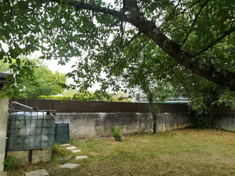 Brise-vue occultant sur muret jardin