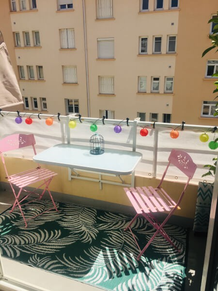 Filet brise-vue blanc sur balcon