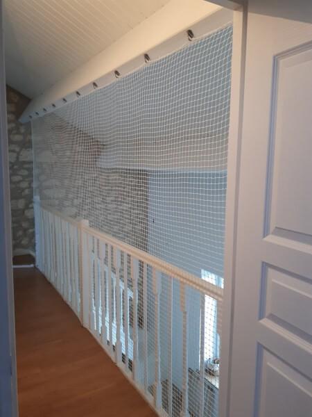 Filet de protection enfants pour sécuriser un étage en mezzanine