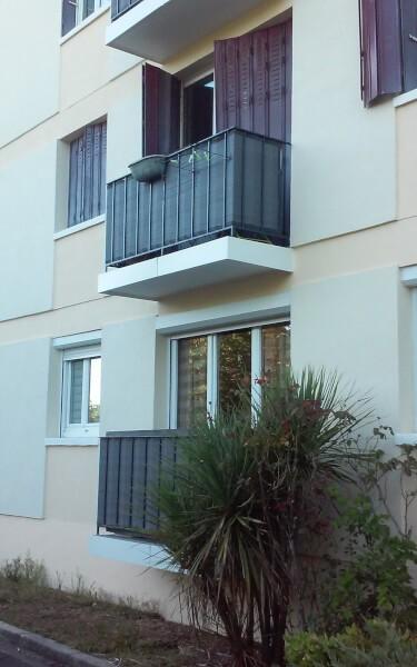 Filet brise-vue sur garde-corps balcon