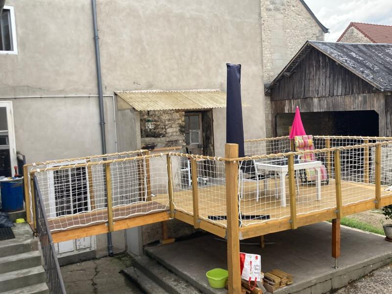 Filet de sécurité garde-corps sur terrasse